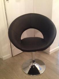 Black faux leather chairs x5