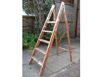 Wooden step ladders - 4 steps and solid platform top