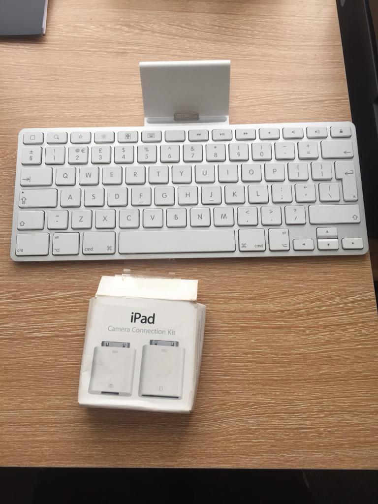 iPad keyboard and camera connection kit
