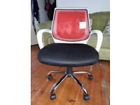 Cherry Tree Furniture Mesh Fabric Padded Swivel Office Chair Operator Computer Desk Chair (Red)