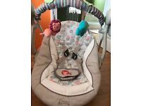 Automatic baby swing with vibration, music and timer functions