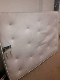 Double mattress with memory foam and pocket springs