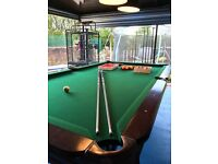 Solid wood pool/snooker table 9ft