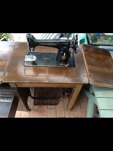 Singer treadle sewing machine 1944  model  NOW REDUCED!! And Greystanes Parramatta Area Preview
