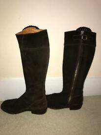 """Really Wild"" Boots Size 4"