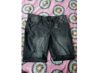 Men's Black Denim Shorts New With Tags 40W
