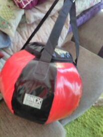 NEW,NEW,NEW,LARGE PUNCHING BAG