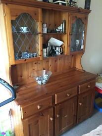 Solid wood dressrt