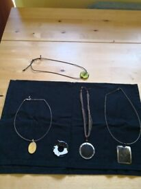 Collection of lovely necklaces £2 for lot
