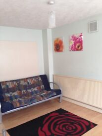 Double and single room for rent