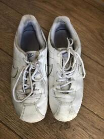 Nike trainer size 3