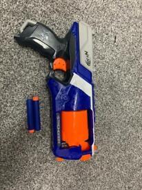 Nerf gun elite (2 bullets)