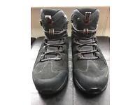 Hiking boots mammut