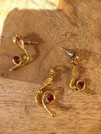 Gold Coloured Earrings and Pendant Jewellery Set