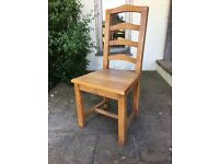 Six Solid oak dining room chairs excellent condition