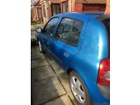 Low milage renault clio 1.4 want it gone ASAP