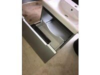 Ex Display Villeroy & Boch Subway 2.0 Vanity unit and basin 550 x 440