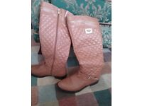 Ugg boots, tan leather, size 7 but fits 6,worn twice