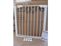 Cuggl pressure fit safety gate - as new