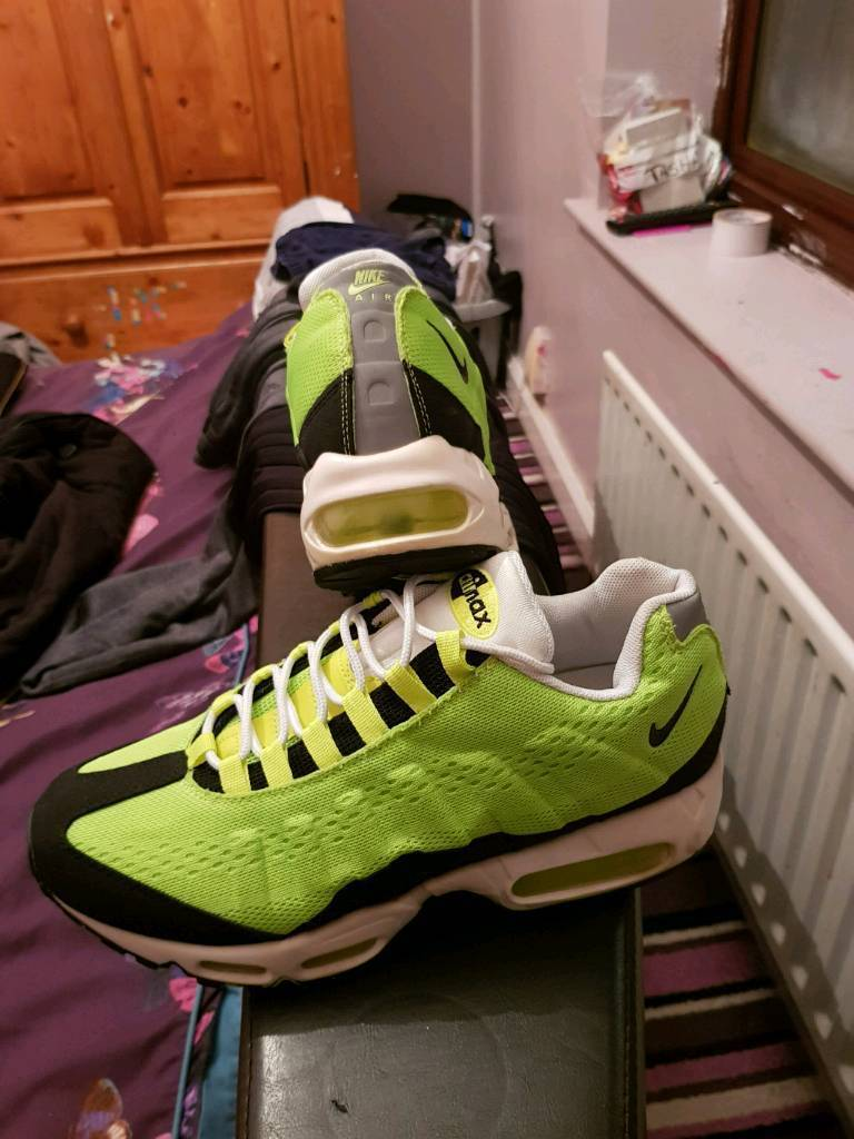 318593d518 Nike air max 95s rare fluorescent green genuine uk9   in Walsall, West ...