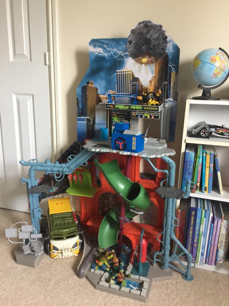 Teenage Mutant Ninja Turtle Sewer Lair Playset