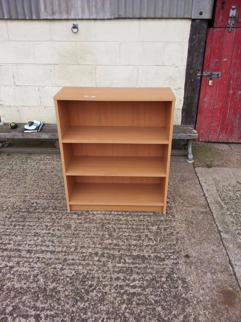Small Book shelve in Good Order Delivery Available
