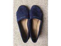 Hush Puppies Suede Comfy Pumps size 6