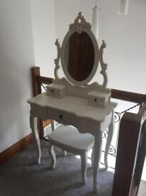 Dressing table mirror & stool