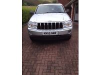 JEEP GRAND CHEROKEE WK 3.0 CDR IN BRIGHT SILVER SERVICE HISTORY