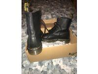 Dr martens lady's boots SIZE 6