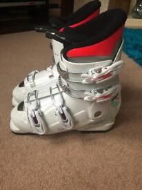 As New Ski Boots 3.5-4 (23.5)