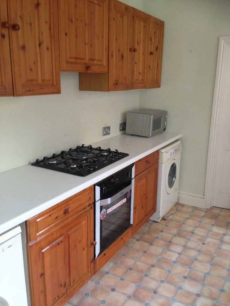 3 BED HOUSE WITH 2 RECEPTIONS TO RENT