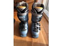 Salomon Ski boots and bag- very good condition