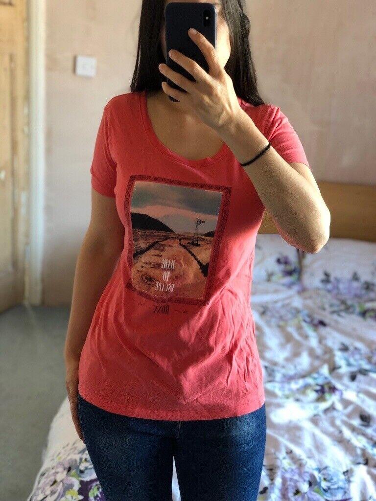 47dda5b5299f3 Pink roxy T shirt size 10 | in Southwick, East Sussex | Gumtree