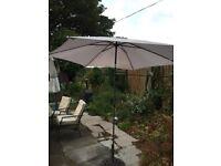 Medium sized parasol