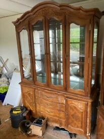 Large display cabinet up cycle