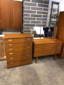 Set of draws and matching dresser