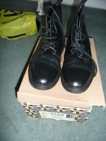 River Island men's boots