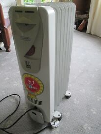 DeLonghi Electric Oil Filled Radiator