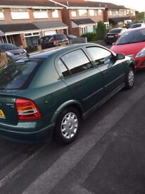 Automatic 2002 Vauxhall astra in excellent condition