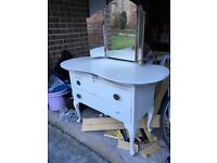 Small vintage dressing table. Perfect little renovation project. 3 mirrors and shaped legs.