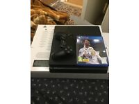 BRAND NEW UNUSED 1TB PS4 SLIM WITH FIFA 18 & GOD OF WAR BOXED