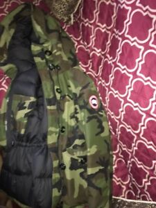 Women's Army Canadian goose