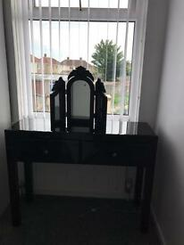 Glass glass dressing table and mirror