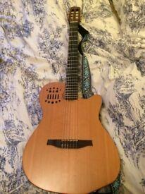 Godin ACS Slim Cedar Natural SG + Bag (Nylon stringed electric guitar) 2nd hand, very good condition