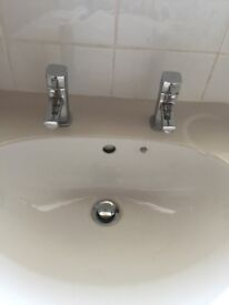 Pedestal wash basin with Bristan taps and pop up waste in good condition