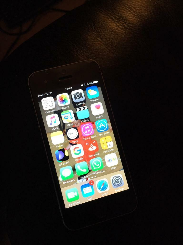 iPhone 5sin Hyndland, GlasgowGumtree - For sale is my iPhone due to getting an upgrade so dont need this one. iPhone 5s 16gb Slate grey On the EE network Has a small ding on the side near the volume buttons. Screen is unmarked as had a screen protector on from day one. Box, brand new...