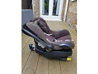Maxi Cosi Pebble Car Seat & EasyFix Base