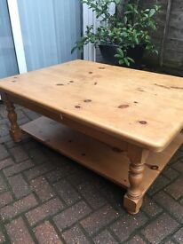 COFFEE TABLE LARGE SOLID PINE VERY HEAVY QUALITY
