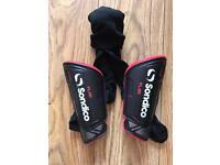 Sondico shin pads XS + free football socks